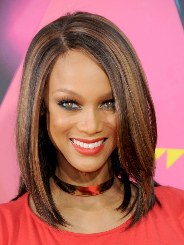 Medium Hairstyles for Thick Hair and Haircare Tips  CircleTrest