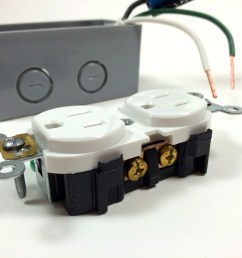 build an arduino controlled power outlet view of the hot terminal screw [ 1024 x 768 Pixel ]