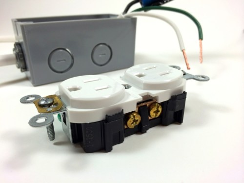 small resolution of build an arduino controlled power outlet view of the hot terminal screw