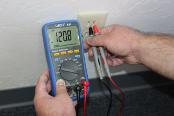 Phenomenal Testing An Electrical Outlet Using A Digital Multimeter Simply Wiring Digital Resources Ommitdefiancerspsorg