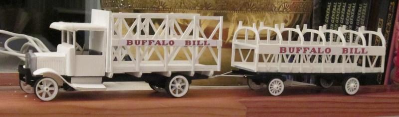 camion avec remorque buffalo Bill - Maquettes de véhicules de cirque