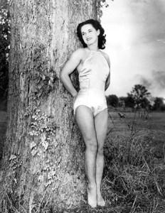 Rose Gold, impératrice du trapèze, pose pour la presse