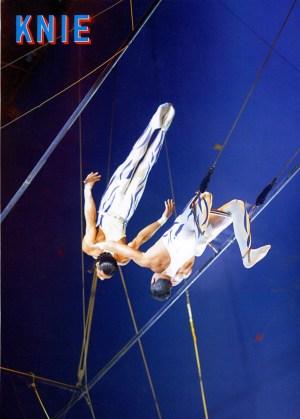 Les Michaels - photo Knie - trapèze volant