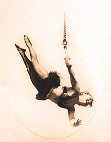 Lillian Leitzel – star de la gymnique aérienne