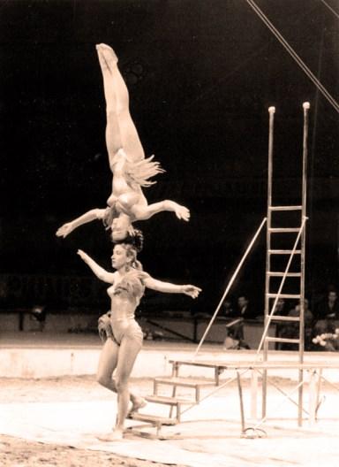 Christa et Bärbel en équilibre de tête-à-tête - photo