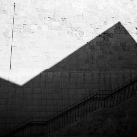 Pyramid shade