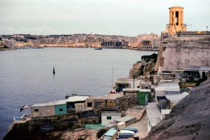 Valletta, Darkroom Malta, Agfa Vista, Pushed Film, Alan Falzon,35mm Film, Siege Bell memorial overlooking Grand Harbour