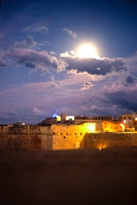 Valletta, Darkroom Malta, Agfa Vista, Pushed Film, Alan Falzon,35mm Film,Full moon over bastions