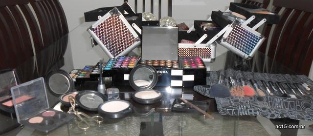 Todos os produtos usados sobre a mesa