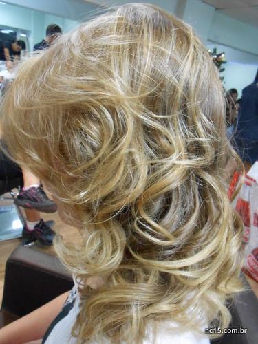 cabelo lindo, sedoso, com brilho e lindos cachos