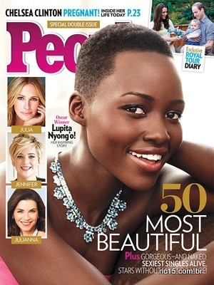 Lupita Nyong'o na capa da revista People que a elegeu a mulher mais bonita de 2014
