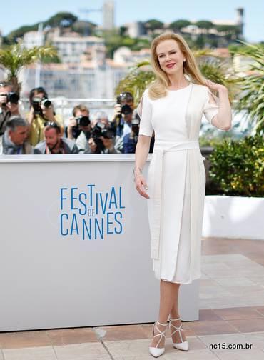 Nicole Kindman, linda no seu look total white.