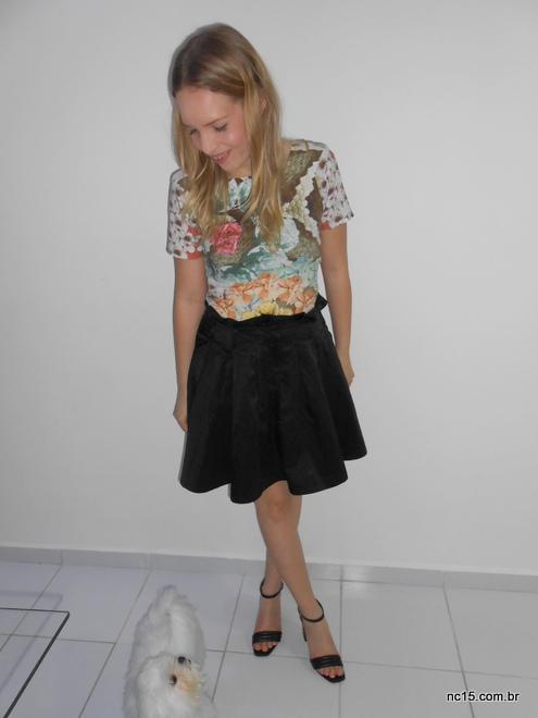 aia preta Eclectic Night, peguei meu vestido tubinho estampado Miss Lolla, mais sandália Arezzo.
