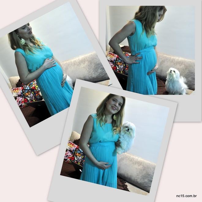 Eu gravidinha de vite e uma semanas com meu maltês no colo. Ele fez questão de sair na foto