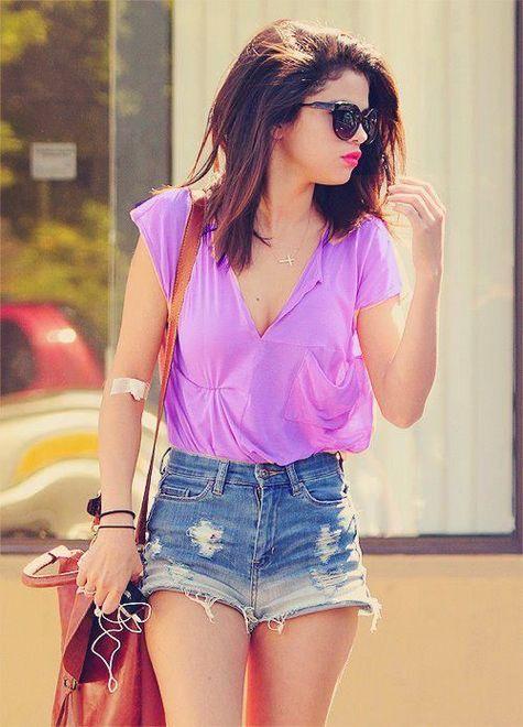 Shorts jeans com blusa lilás