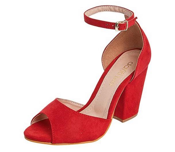 sandália vermelha de salto médio quadrado