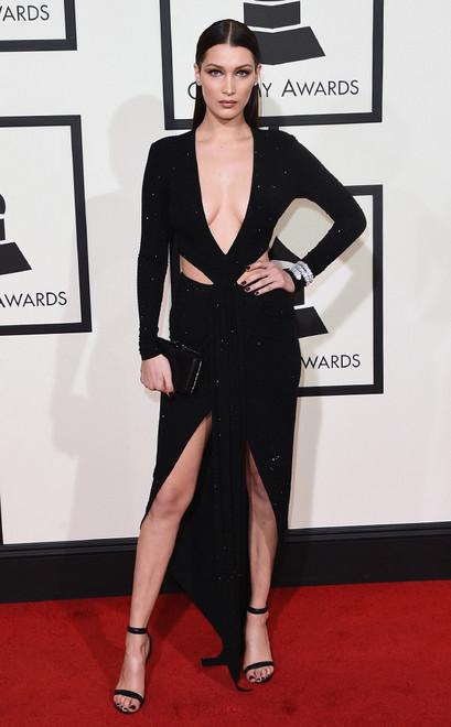 Bella-Hadid-Grammy-Awards-2016alexandre-vauthier-paris