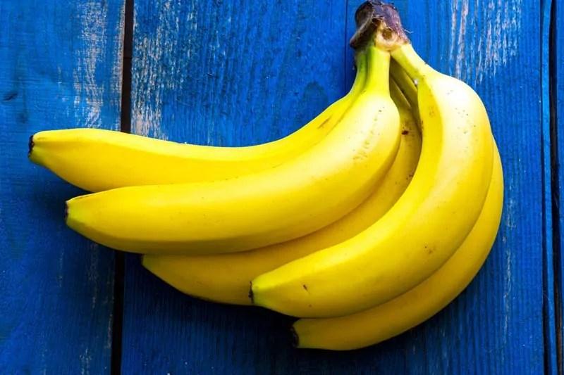 Mangiare una banana