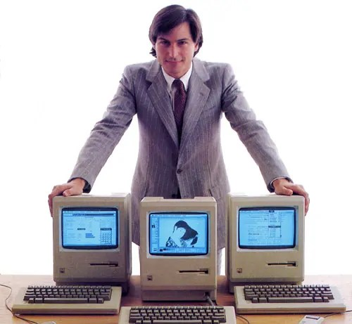 Steve Jobs e il primo Apple Macintosh