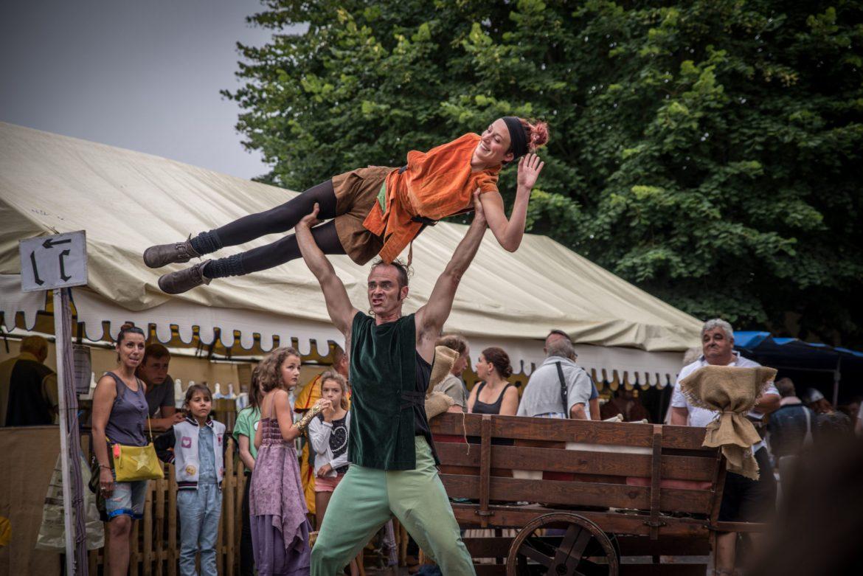 Duo de saltimbanques porté acrobatique cirkonflex