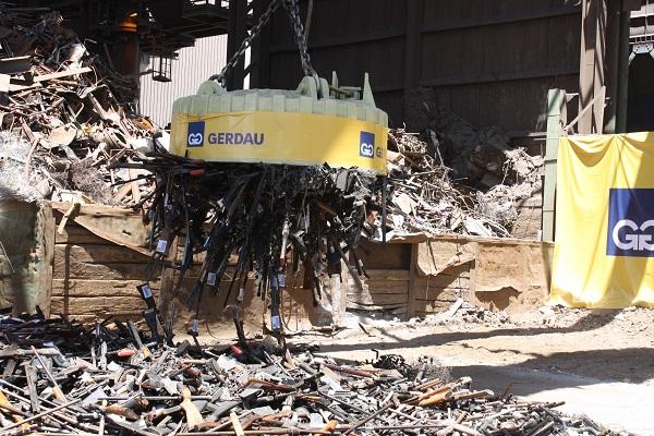 Más de 8.000 armas de fuego fueron destruidas y se convertirán en acero para futuros proyectos eólicos