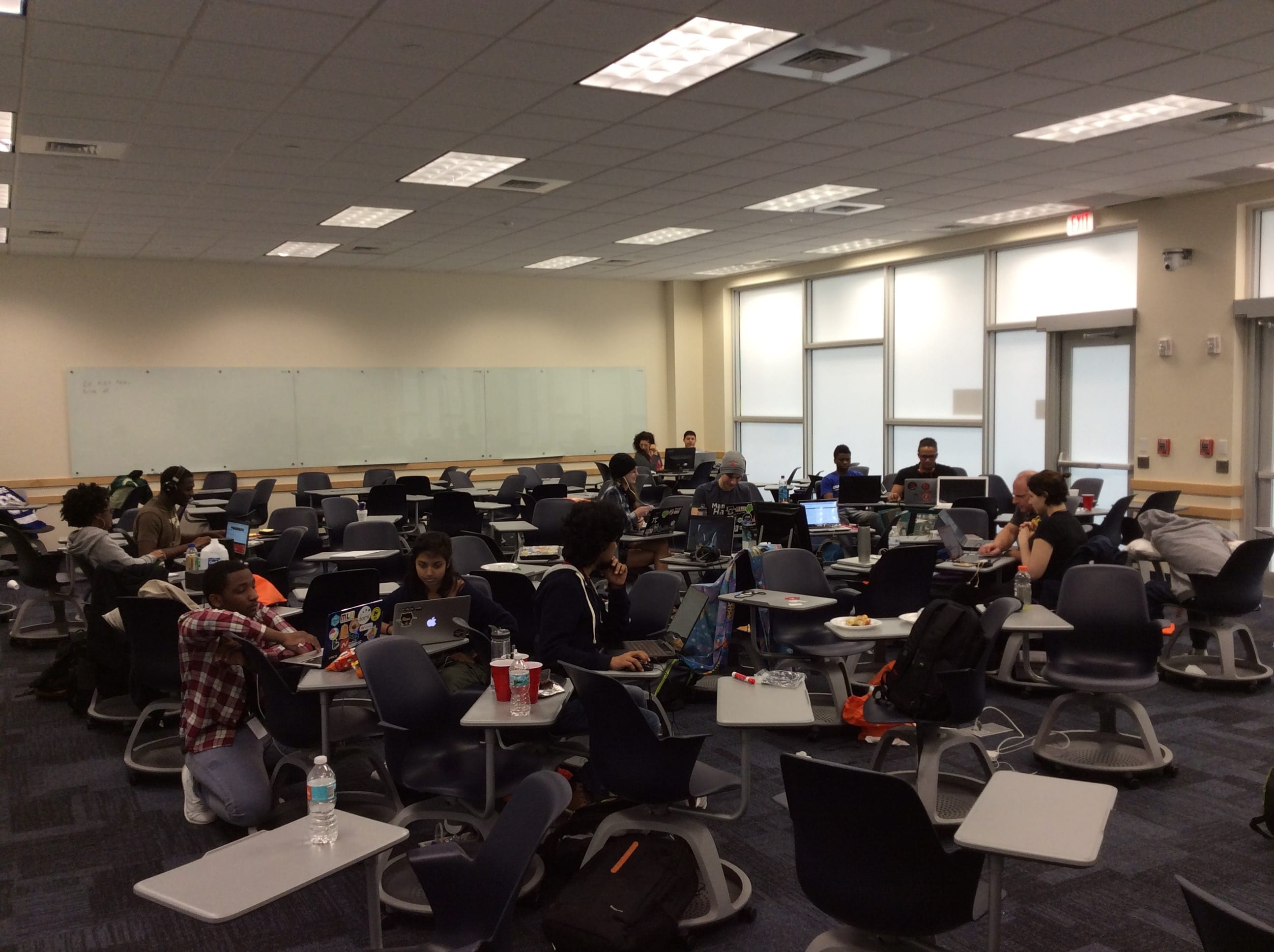 MangoHacks 2017 Review | School of Computing and Information Sciences 11