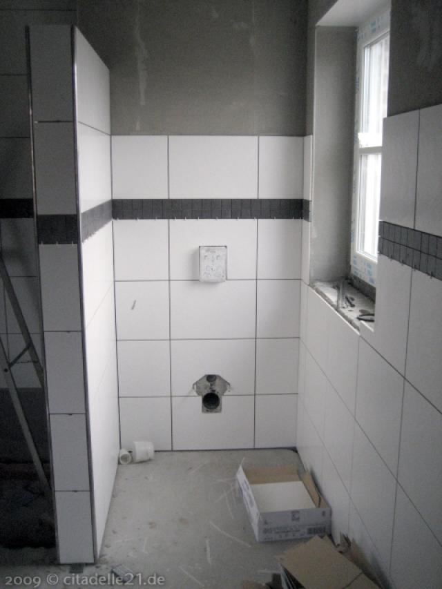 Schwarze Bordren im Badezimmer  citadelle21de  Coesfeld