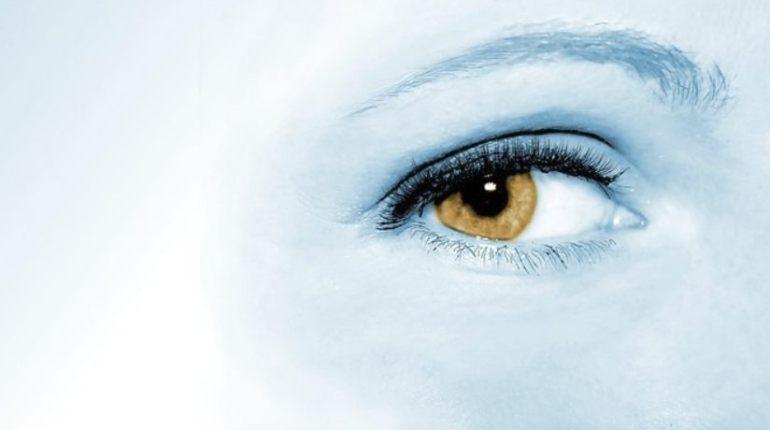 Aandacht, oog (CC0 - Pixabay - jarmoluk)