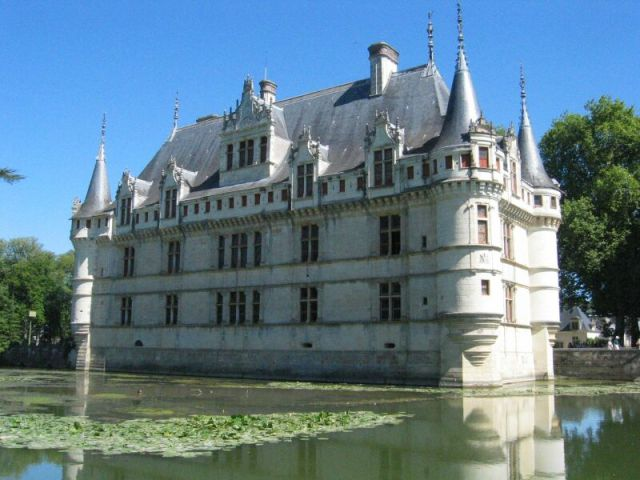 Замъкът Азе ле Ридо