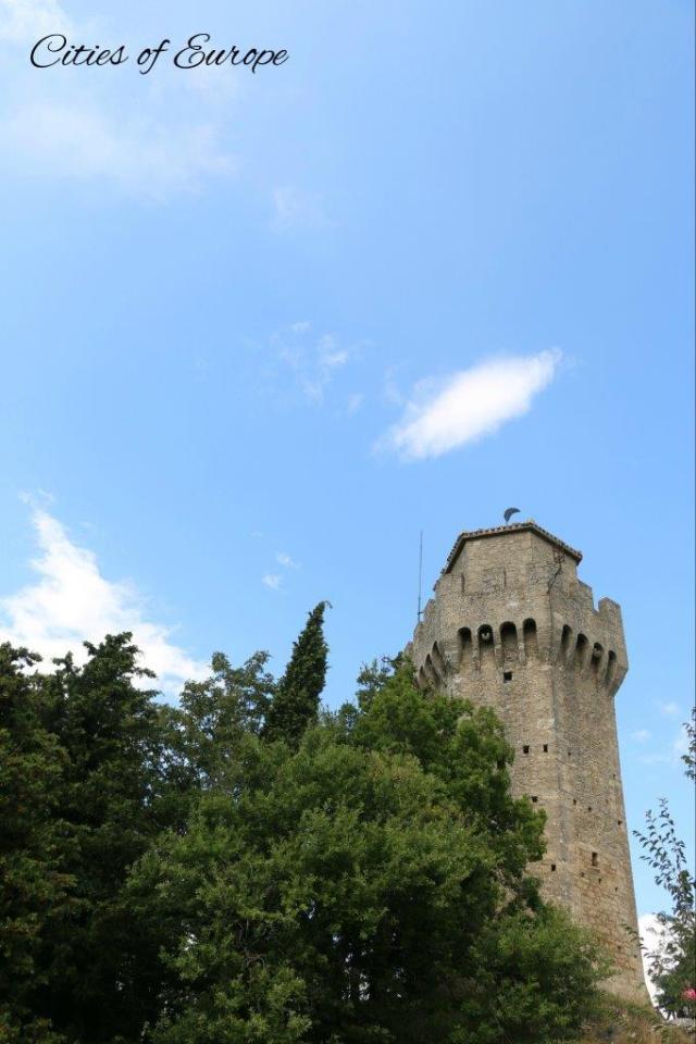 Крепостта Монтале