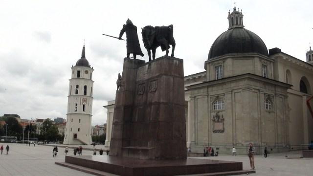 Статуята на Гедиминас