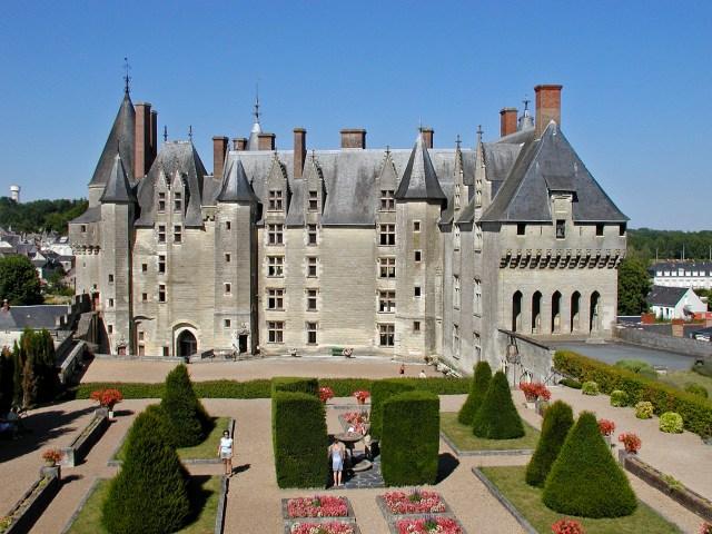 Замъкът Ланже