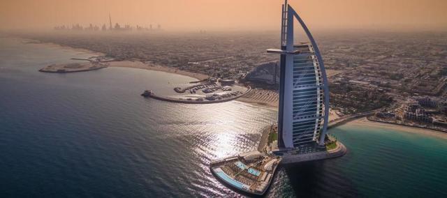 Предложение на седмицата: Двупосочни билети от Истанбул до Дубай за 136.00 Евро