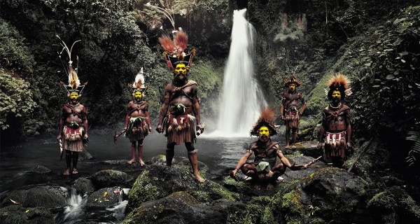 Huli Tribe, Papua, New Guinea Photo  © Jimmy Nelson BV courtesy teNeues