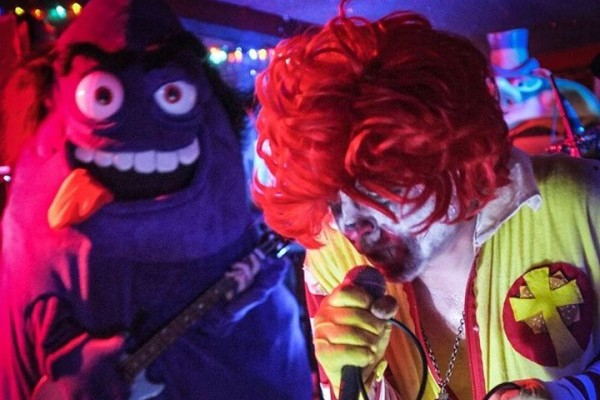 Photo © Mac Sabbath
