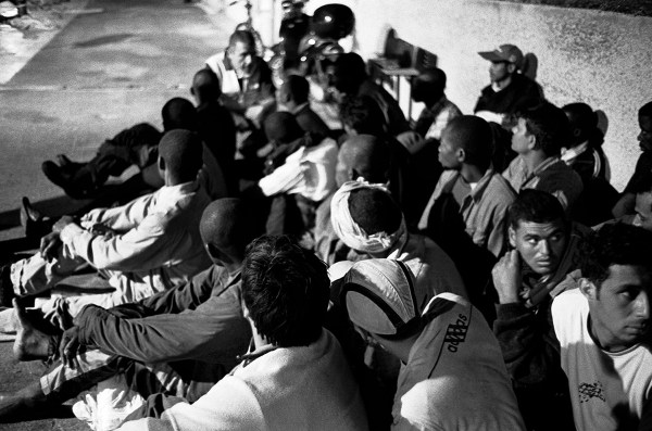 After the crossing, Lampedusa ©Simone Perolari