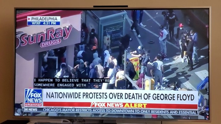 MASSIVE Looting In Philly, In Broad Daylight…