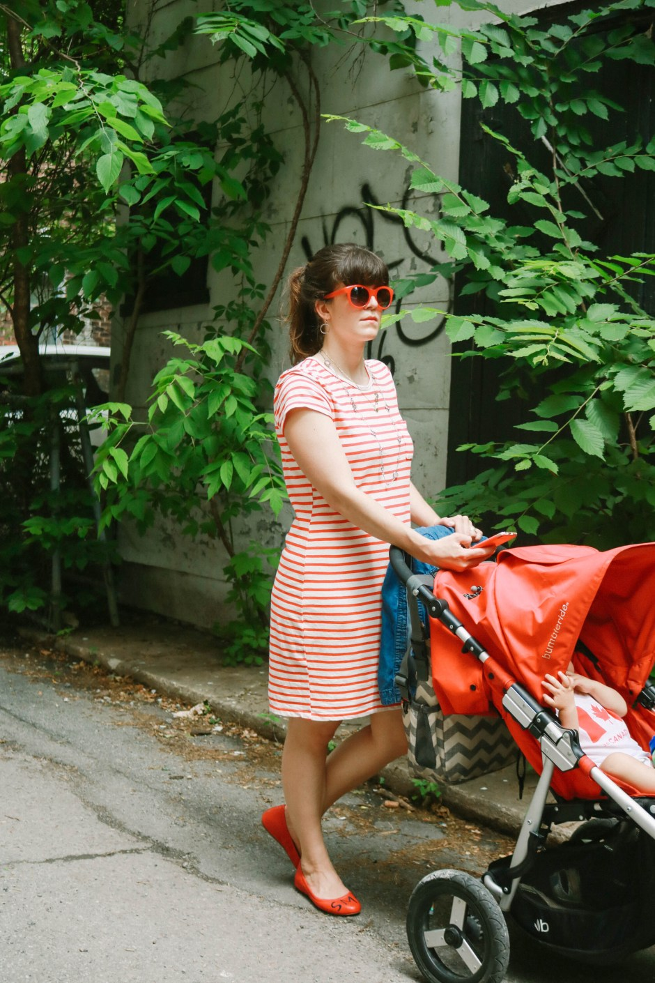 canada day outfit, red and white stripe knit dress with red accessoires, stylish mom