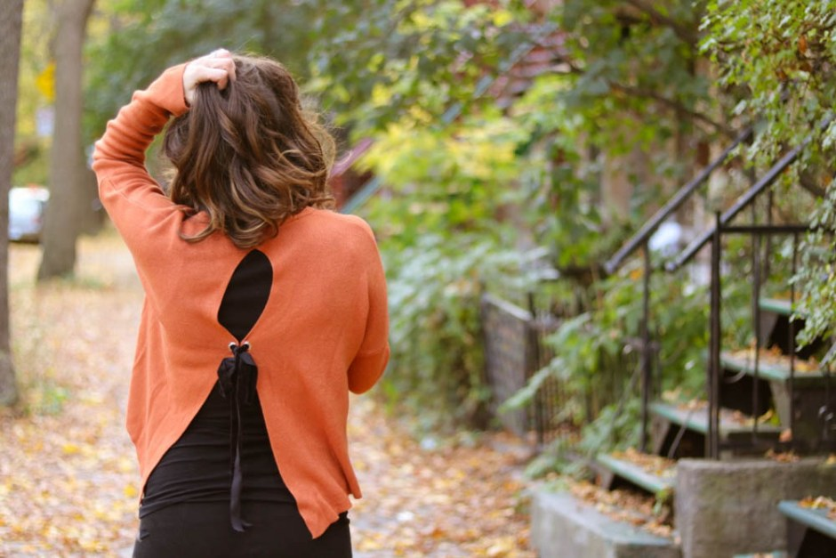 2017 fashion sweaters fall winter style, pregnant style, fall outfit, fall color, orange, AEO, sweater detail, bows, orange