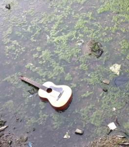 chitarra_nel_naviglio
