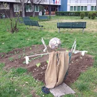 urban_scarecrow