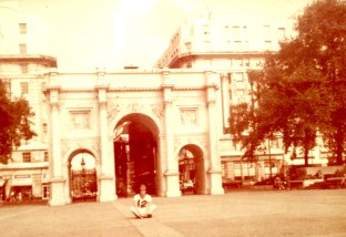 me_marble_arch_1975