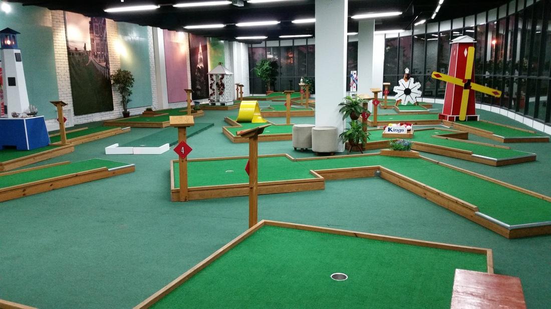 Mini putt citta mall citta mall ara damansara green mall for Citta design outlet