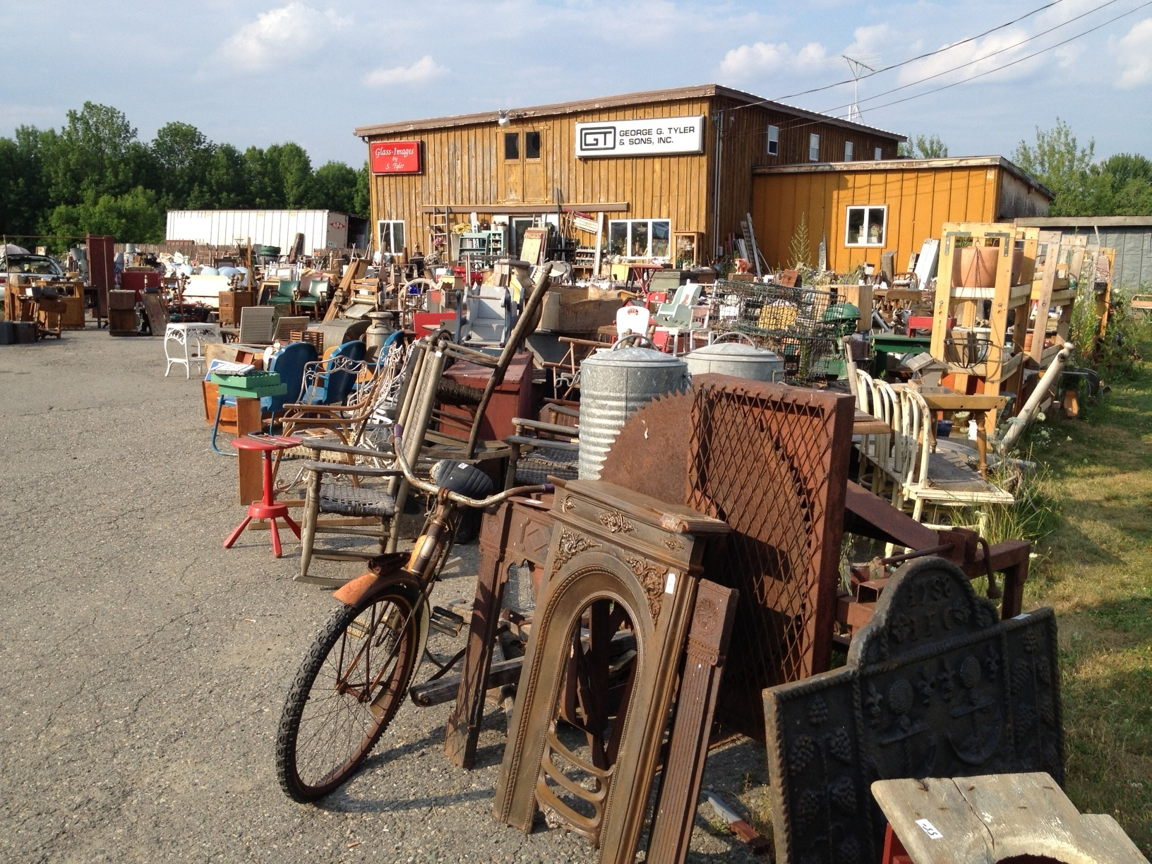 New To PA Looking For A BIG AntiqueOld Stuff Store
