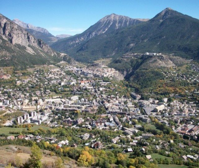 Rate The Climate Of Briancon Sunny Cold City Hidden In Alps 100_1496