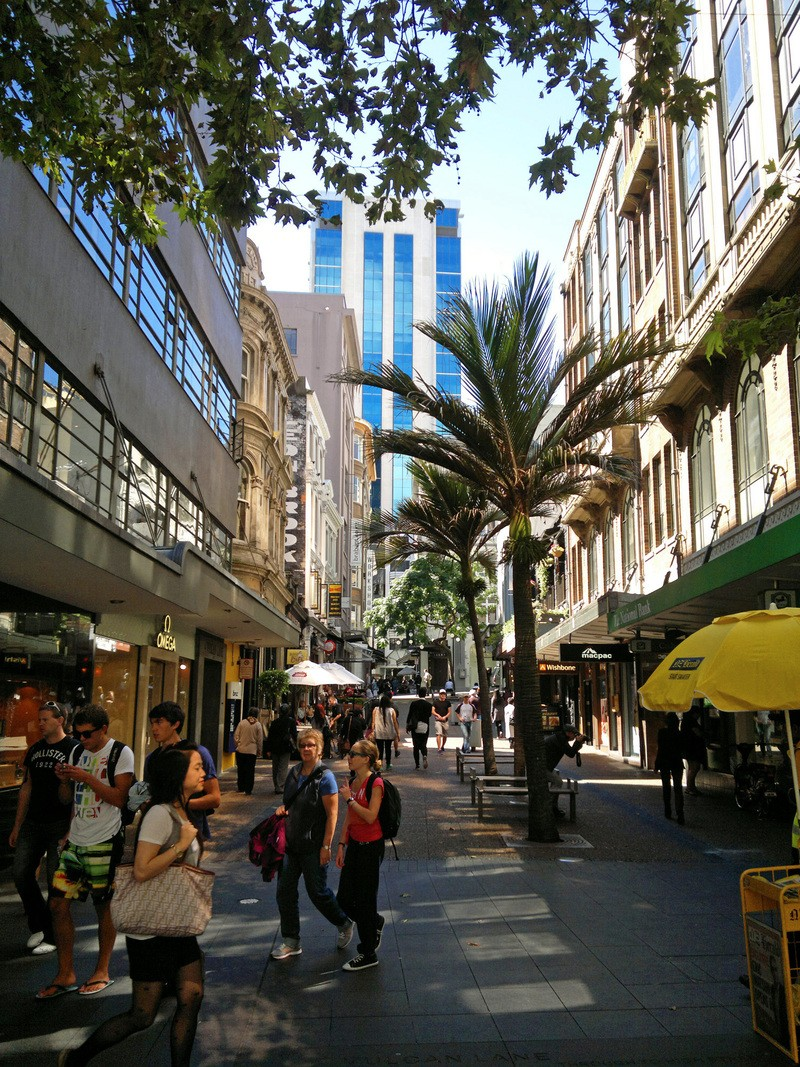 Vulcan Lane, Auckland, full of people and empty of cars