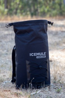 The IceMule Pro 23L utilizes classical roll-top construction.