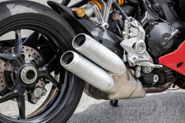 245mm rear disc is squeezed by a two-piston Brembo caliper.