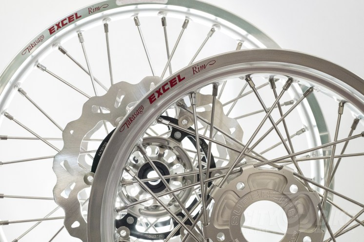 Real dirt wheels from Woody's Wheel Works: Excel Takasago rims, Superlaced with Superlite hubs. Photo: Angelica Rubalcaba.