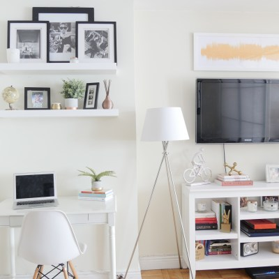 How to Decorate the Walls in Your Rented Space